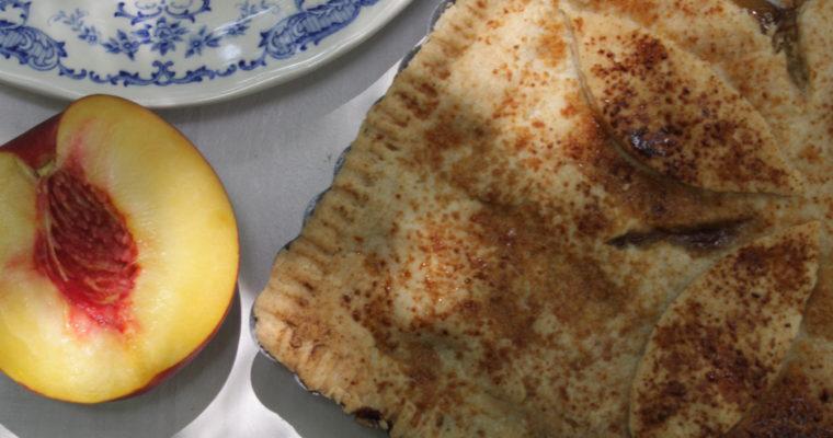 Pie alle pesche aromatizzata al rosmarino e menta