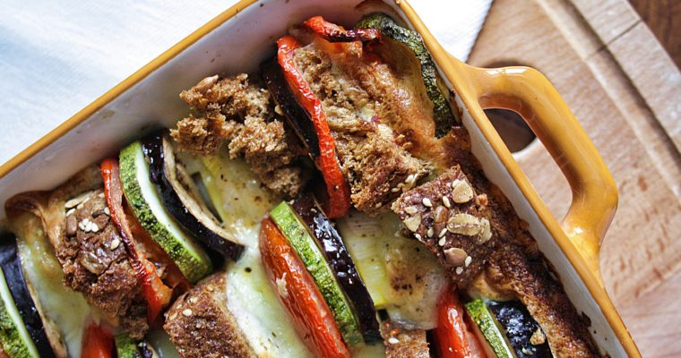 Tian di verdure marinate – con pane ai cereali e mozzarella –