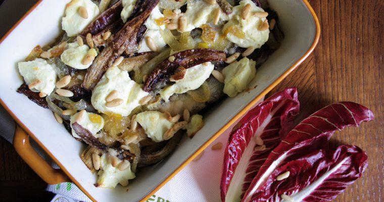 Radicchio gratinato – con cipolle caramellate, ricotta e pinoli –