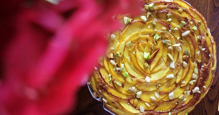 Torta alle pesche e limone – con pistacchi e mandorle –