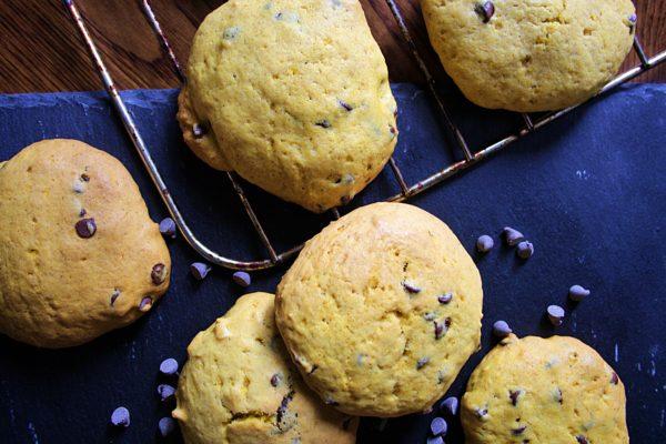 Cookies alla zucca – con cioccolato e pinoli –