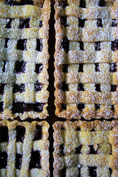 Crostatine alla marmellata – con frolla ai tuorli sodi –