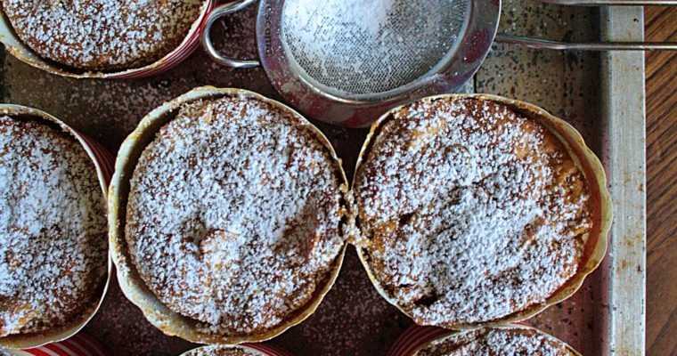 Muffin alle mele, uvetta e cannella