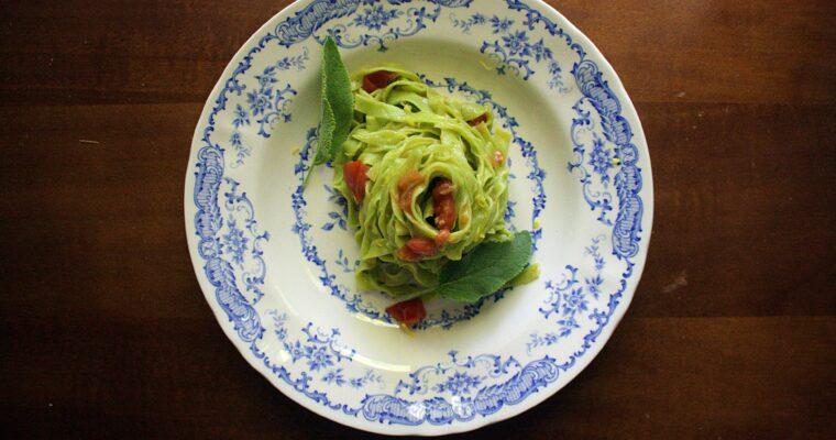 Tagliatelline verdi – burro, pomodorini, limone e salvia –
