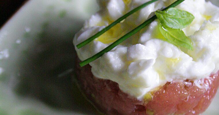 Tartare di tonno con mozzarella di bufala