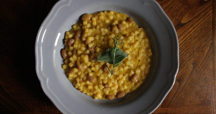 Pasta e fagioli alla zucca – con salvia e rosmarino –