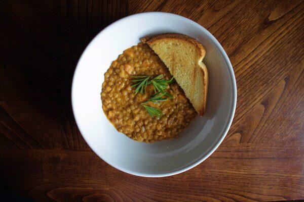 Zuppa di lenticchie al curry  – veg –